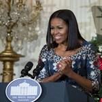 Utoljára készítettek karácsonyi dekorációt Obamáék a Fehér Házban – fotók