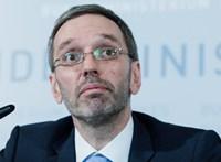 Az osztrák belügyminiszter szerint túl jól keresnek a menedékkérők