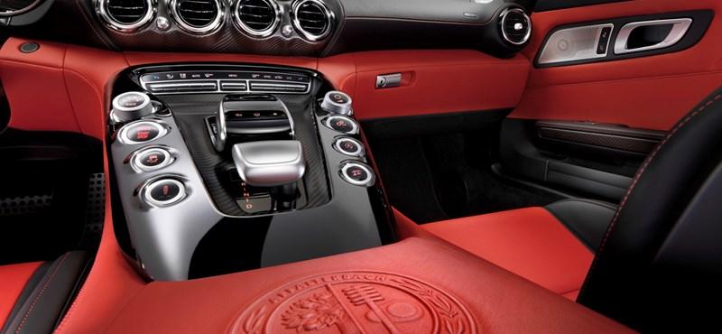 Kimarad a Benz név a Mercedes új sportkocsijából