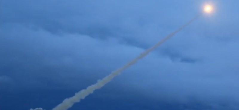Vízbe esett atommeghajtású rakéta kiemelésekor történt a rejtélyes oroszországi robbanás