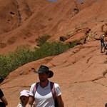 Lezárják a mászók elől Ausztrália kuglóf alakú szent hegyét