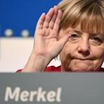 Kreml: Közös vakcinaelőállításról egyeztetett Merkel és Putyin