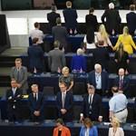 Nem maradt el a botrány az Európai Parlament alakuló ülésén