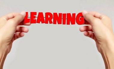 Évi másfél milliárd forintot fordítana a kormány a nyelvtanárok továbbképzésére