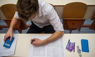 Sok diáknak kell írásbeliznie a középiskolai felvételin - itt vannak a részletek