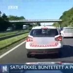 Az M7-es autópálya belső sávjában pöffeszkedett a polgárőr, és még neki állt feljebb – videó