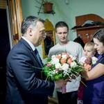 Orbán egy szabolcsi családnál pálinkázott - fotók