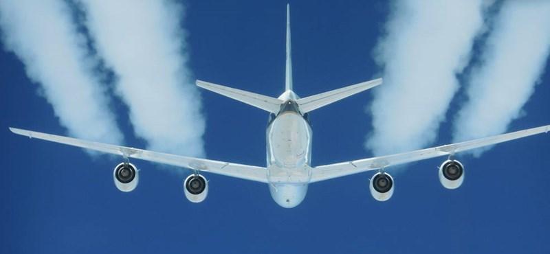 1464 új repülőgépet adtak el pár nap alatt, de a java csak most jön