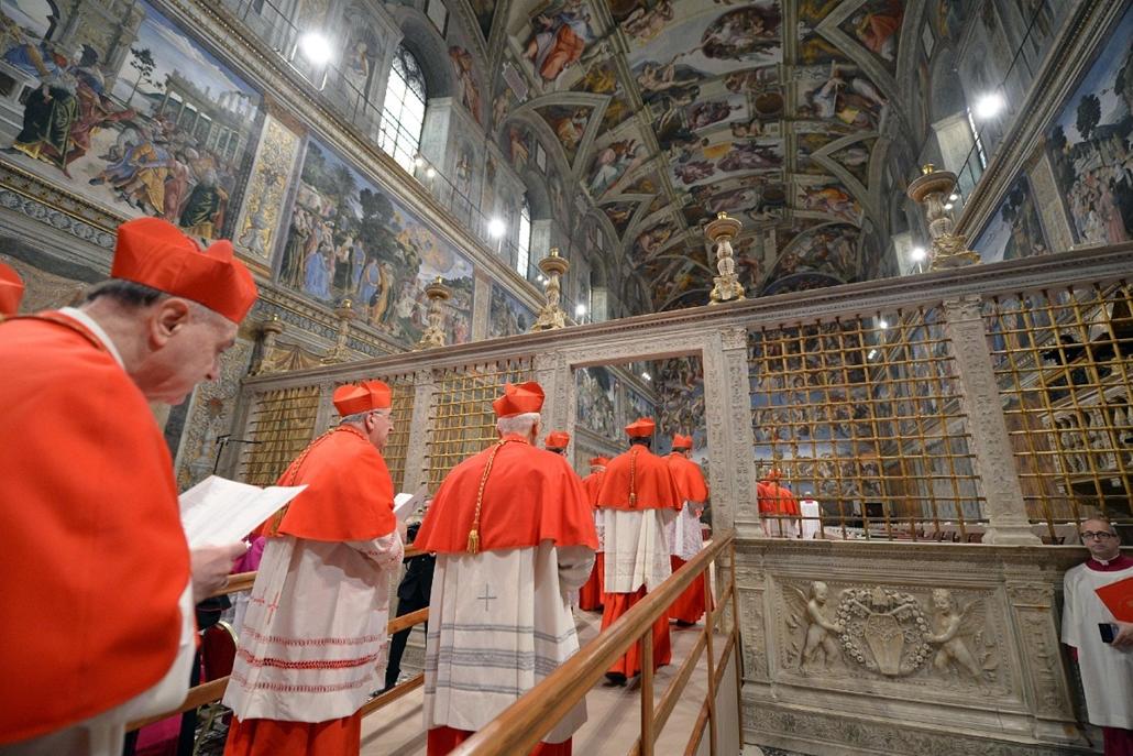 bevonulás a kápolnába - pápaválasztás - pavalko