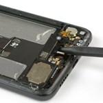 """Ez van az új """"csodafon"""" belsejében: szétszedték a Huawei P20 Prót"""