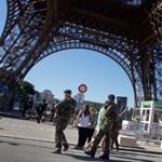 Golyóálló falat húznak az Eiffel-torony köré
