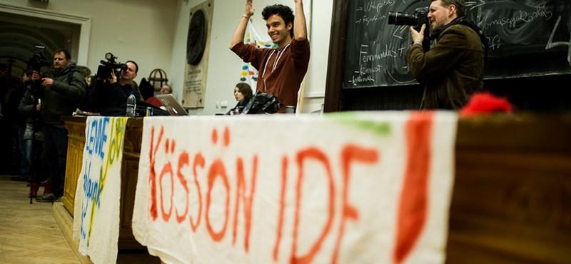 A rektornál jelenti fel az egyetemfoglalókat támogató tanárokat a bölcsészkar HÖK-elnöke
