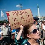 """Másra lépni tilos"": antifasiszta galéria"