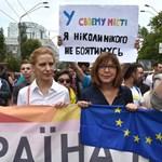 Szélsőséges ellentüntetőket vettek őrizetbe a kijevi Pride alatt