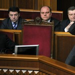Nem menesztette az ukrán kormányt a parlament