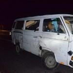 Kisteherautók csattantak kora hajnalban az M1-es autópályán