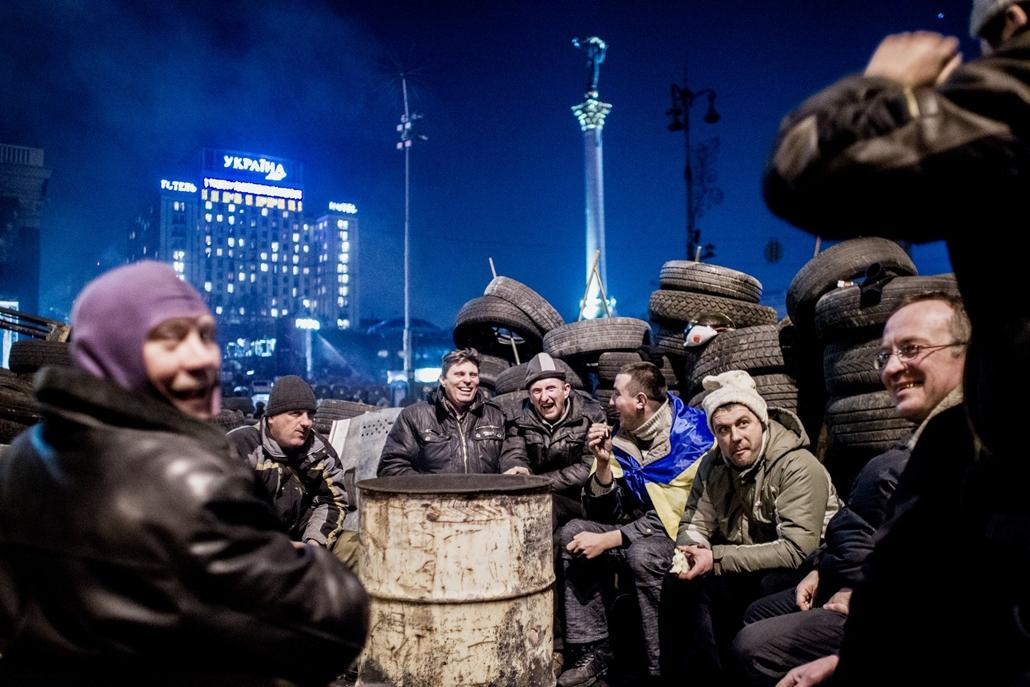 NE használd_! - Magyar fotográfusok háborús képei 100 éve és ma - nagyítás - Kijev, Ukrajna - 2014. február 21.