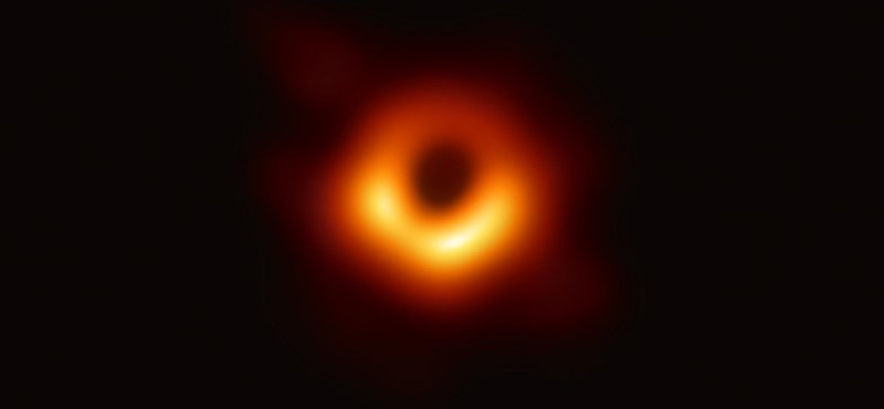 Fotó: Egyedi módon köszönte meg a Lego a 29 éves tudósnak a fekete lyukról készült fotót