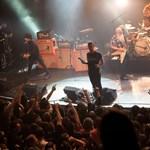 Prince, U2, Foo Fighters: sorra mondják le az európai koncerteket