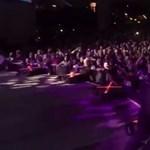 Ne telefonozzon a koncerten, mert a dühös frontember kiüti a kezéből