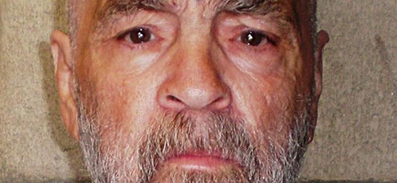 Még mindig a halottasházban őrzik a tavaly elhunyt Charles Manson holttestét