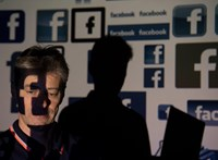 Zuckerberg undorodik Trump kiírásától, de 400 Facebook-dolgozó szerint nem eléggé