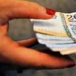 Több tízezer forintot veszítenek a pedagógusok a bértábla alapjának bebetonozása miatt