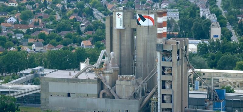 A Magyar Cement emberei behatoltak a Holcim gyárába