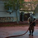 Gumicsizmákat várnak a vörösiszap-katasztrófa helyszínére