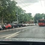 Sztráda és lepusztult parkolók – ilyen az autók kitiltása előtt a Városliget közepe