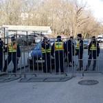 Antifasiszták és a rendőrök várták a Városmajorban a szélsőjobboldali megemlékezőket