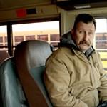 A hidegben síró kisdiákon segített egy buszsofőr