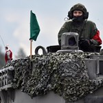 Erős magyar hadsereget akar a honvédelmi miniszter