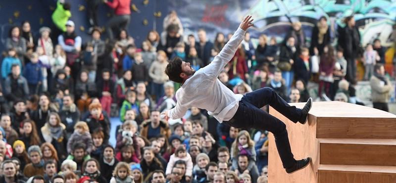 A francia akrobata, aki megtalálta a súlytalanságban az örökkévalóságot