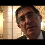 Videó: Nem kér bocsánatot, viszont perel a riporterünket megrángató fideszes