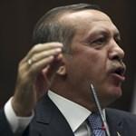 Előrehozott választásokat tartanak Törökországban