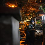 Fegyveresek ejtettek túszokat Banglades fővárosának diplomatanegyedében