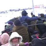 Így mentették az embereket a hó fogságából - videó