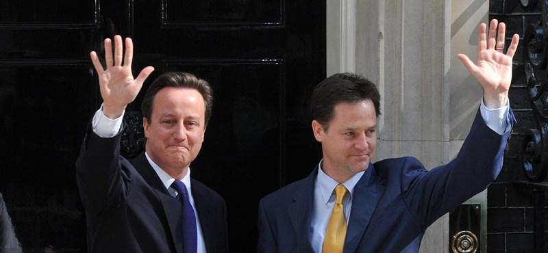 Tizennyolc milliomos ül az új brit kormányban
