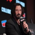 Keanu Reevesnek nincs szüksége kaszkadőrre, ha ló hátán kell akciózni