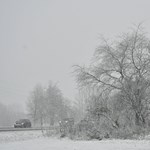 Esővel, hóval érkezik hétvégére a lehűlés