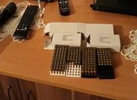 Kábítószert és a lőszert rejtegettek Kazincbarcikán