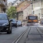 Locsolás, vízosztás: felkészültek a hőhullámra Budapesten
