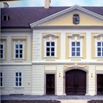 Féláron kelt el a magyar kastélyszálló