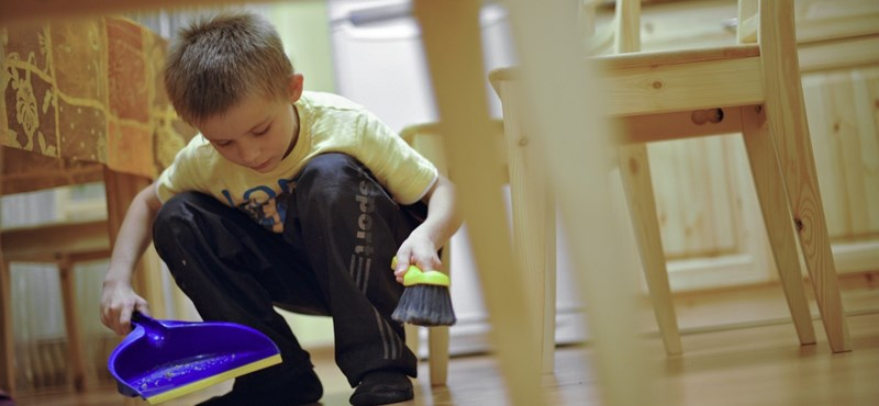 Apa fürdet, anya főz – kutatás készült a magyar családi munkamegosztásról