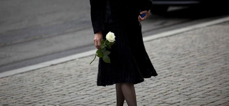 """""""Van mit tanulnunk a tragédiából"""" - a mészárlásra emlékeztek Norvégiában"""