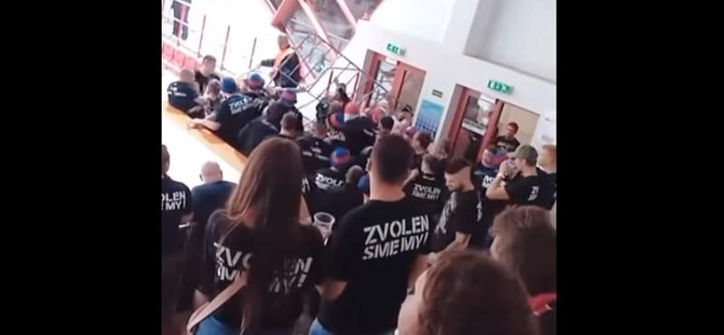 Szlovák ultrák balhéztak a miskolci hokimeccsen, a szövetségek elítélték
