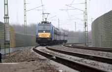 Halálos vasúti gázolás történt Ecsernél, késnek a vonatok a Budapest–Újszász–Szolnok vonalon