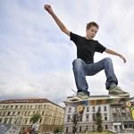 10 tipp, ha okostelefont vagy márkás sportcipőt kér a gyerek