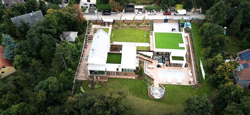 Így néz ki a ház, amit a Rogán-család bérel – fotó